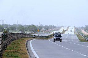 Yamuna Expressway Delhi-Agra Taj Expresswa
