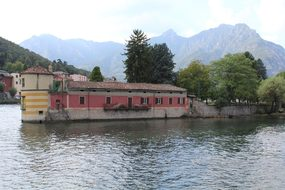 Island Visconti, Island, Lake Como