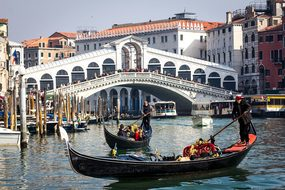 Venice Rialto Italy Bridge Grand Canal Gon