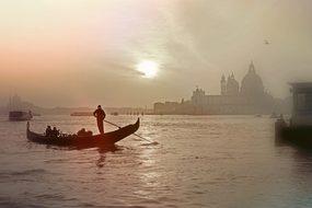 Venice Italy Gondola Lagoon Romantic Wasse