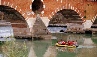 Inflatable, Row, Stone Bridge, Verona